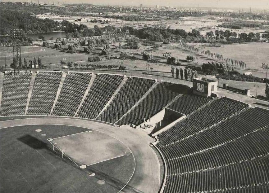 Stadion Śląski przezlata był największym stadionem wPolsce igłówną areną zmagań reprezentacji;