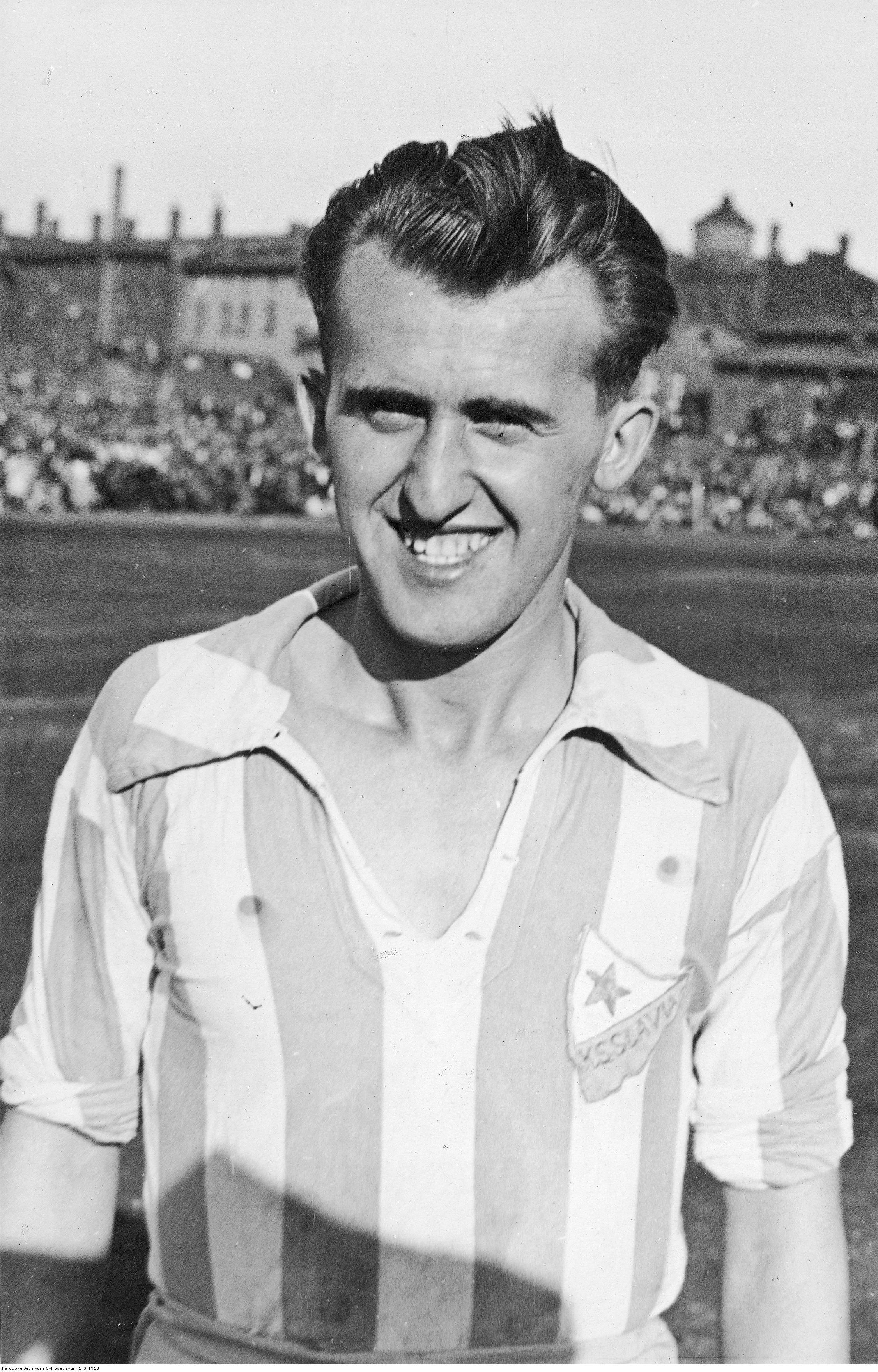 W 1934r. doWielkich Hajduk przyjechała lwowska Pogoń. Gospodarze wystąpili wkoszulkach Slavii Ruda Śląska, choć dziś już trudno dociec dlaczego; źródło: Narodowe Archiwum Cyfrowe