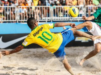 Beach-Soccer-Footballers