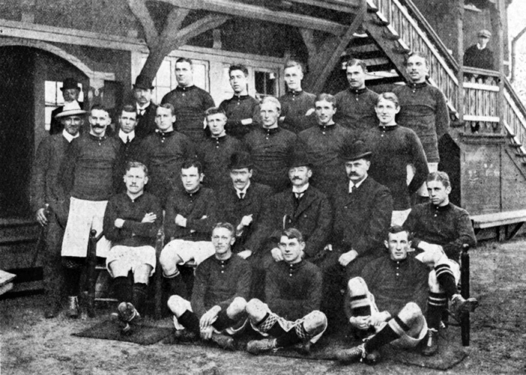 bracia Bohrowie; Dania 1908